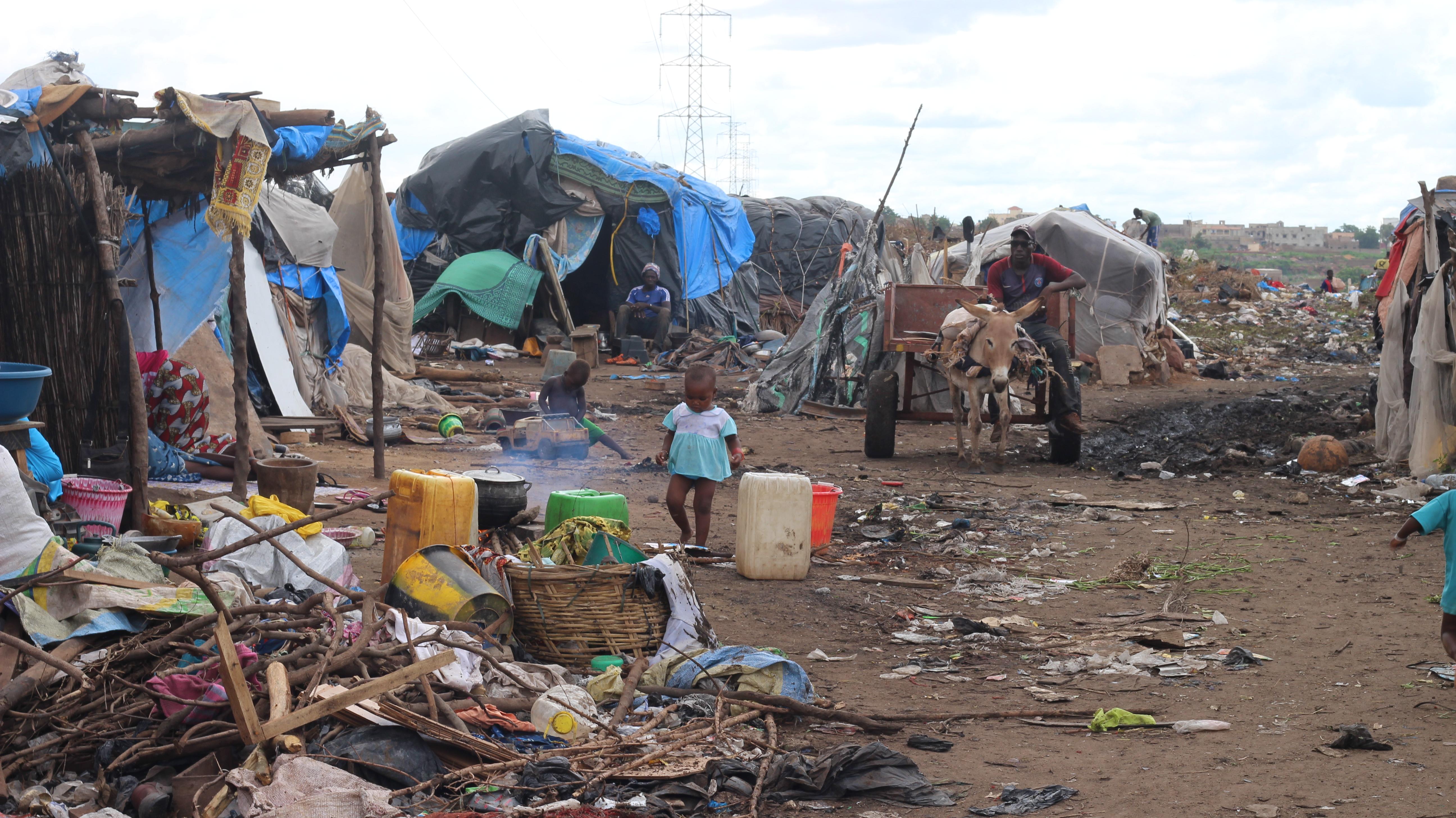 Visita al campamento de personas desplazadas de Faladie – Sema. 08/08/2019
